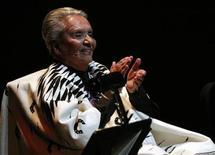 """<p>Foto de archivo de la legendaria cantante Chavela Vargas, quien falleció el domingo, durante el lanzamiento del disco """"La Luna Grande"""" en la capital de México. Abr 15, 2012. REUTERS/Bernardo Montoya</p>"""