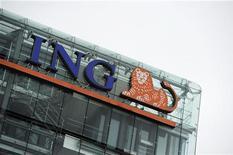 <p>ING, groupe néerlandais de services financiers, a dévoilé mercredi des résultats trimestriels inférieurs aux attentes, affectés notamment par des provisions pour pertes sur créances. /Photo prise le 16 juillet 2012/REUTERS/Robin van Lonkhuijsen/United Photos</p>