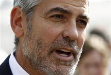 <p>Foto de archivo del actor estadounidense George Clooney durante una conferencia de prensa en la Casa Blanca en Washington, mar 15 2012. George Clooney será la principal atracción el lunes en lo que ha sido calificado como el mayor evento de recaudación de fondos del Partido Demócrata estadounidense en el exterior para ayudar al presidente Barack Obama a ganar la reelección. REUTERS/Kevin Lamarque</p>