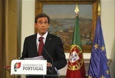 <p>Le Premier ministre portugais, Pedro Passos Coelho, a annoncé vendredi de nouvelles mesures d'austérité budgétaire visant en premier lieu les salariés, en expliquant que son pays ne pouvait pas se permettre de dévier des objectifs fixés par le plan d'aide international de 78 milliards d'euros dont il bénéficie. /Photo prise le 7 septembre 2012/REUTERS/Rafael Marchante</p>