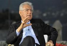 <p>Le président du Conseil italien Mario Monti, à Cernobbio, en Italie. Plusieurs responsables européens ont lancé des propositions samedi pour accélérer la sortie de crise dans la zone euro tandis que Mario Monti mettait en garde contre la tentation du repli nationaliste. /Photo prise le 8 septembre 2012/REUTERS/Paolo Bona</p>