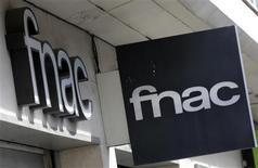 <p>Le projet de scission suivie d'une mise en Bourse de la Fnac a été officialisé mardi par sa maison mère, le groupe de luxe PPR. L'opération est prévue pour 2013. /Photo prise le 9 octobre 2012/REUTERS/Eric Gaillard</p>