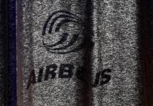 <p>Airbus, qui a dépensé 12 milliards de dollars auprès de ses fournisseurs américains en 2011, doublera cette somme d'ici à 2020 dans la perspective de créer un nouveau site à Mobile (Alabama). /Photo d'archives/REUTERS/Christian Charisius</p>