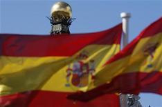 <p>L'Union européenne a chiffré le coût de la restructuration du secteur bancaire espagnol à 37 milliards d'euros. /Photo prise le 24 septembre 2012/REUTERS/Sergio Perez</p>