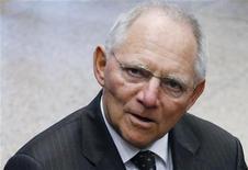 <p>Le ministre allemand des Finances Wolfgang Schäuble n'exclut pas la possibilité de succéder à Jean-Claude Juncker à la tête de l'Eurogroupe. /Photo prise le 26 novembre 2012/REUTERS/Francois Lenoir</p>
