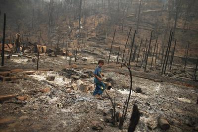 Refugee camp fire in Thailand