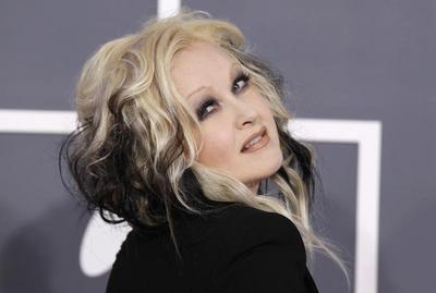 Celebrity style: Cyndi Lauper