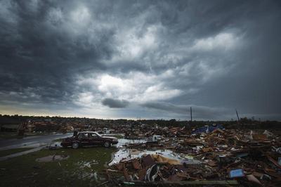 Tornado tears through Oklahoma