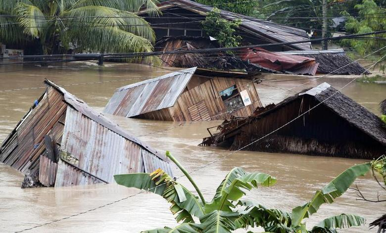 Typhoon Flooding and Mudslides Send Philippines Into State of Calamity