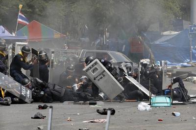 Deadly clashes in Bangkok