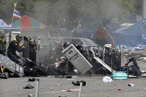 Deadly clashes in Bangkok