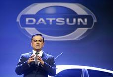Carlos Ghosn, le patron de Renault et de Nissan, qui se trouvait en Russie à l'occasion de la renaissance de la marque Datsun dans ce pays, a déclaré qu'il décelait un grand potentiel local en dépit d'un ralentissement des ventes automobiles. /Photo prise le 4 avril 2014/REUTERS/Artur Bainozarov