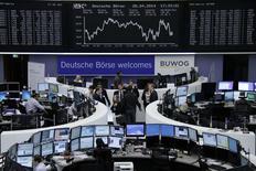 Deutsche Börse a dégagé un bénéfice d'exploitation en hausse de 72% au premier trimestre à la faveur d'un élément exceptionnel et d'une hausse de son chiffre d'affaires. /Photo prise le 28 avril 2014/REUTERS/Remote