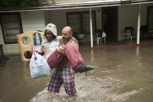 Floods batter U.S. Southeast