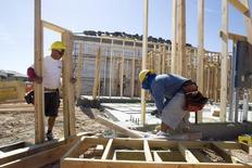 Les dépenses de construction ont augmenté à un rythme plus faible que prévu en mars aux Etats-Unis (+0,2% contre +0,5% attendu par les analystes), les sommes consacrées à des projets publics ayant diminué pour le cinquième mois d'affilée. /Photo d'archives/REUTERS/Steve Marcus
