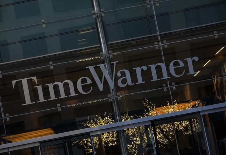 The Time Warner building in New York, December 11, 2013. REUTERS/Eric Thayer