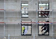 L'Allemagne doit mener des réformes pour réduire les inégalités sociales face à l'emploi et poser les bases d'une croissance plus durable, estime l'Organisation de coopération et de développement économiques (OCDE). /Photo d'archives/REUTERS/Fabian Bimmer