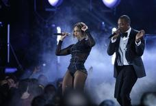 """Beyonce and Jay-Z perform """"Drunk In Love"""" at the 56th annual Grammy Awards in Los Angeles, California January 26, 2014. REUTERS/Mario Anzuoni"""