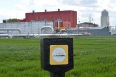 Газоизмерительная станция оператора Eustream в словацком городе Вельке-Капушаны, 15 апреля 2014 года. Газопровод для поставки газа из Словакии на Украину будет готов заработать на полную мощность в сентябре, сообщил глава словацкого газопроводного оператора. REUTERS/Radovan Stoklasa
