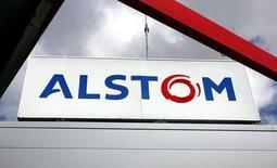 Le titre Alstom figure au rang des valeurs à suivre ce jeudi à la Bourse de Paris. Selon une source proche du dossier, le groupe français ne donnera pas à Siemens plus d'informations sur sa branche d'énergie que celles déjà fournies à General Electric,, auteur d'une proposition d'achat de 17 milliards de dollars (12,35 milliards d'euros). /Photo d'archives/REUTERS/Régis Duvignau