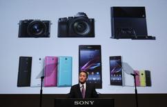 Le directeur général de Sony Kazuo Hirai. Le géant japonais de l'électronique entend finaliser son programme de restructuration au cours de l'exercice qui a commencé le 1er avril et prévoit pour l'exercice suivant un quasi triplement de son bénéfice d'exploitation. /Photo prise le 22 mai 2014/REUTERS/Yuya Shino