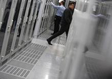 """La société de services informatiques Atos a dévoilé un projet d'offre publique d'achat de 620 millions d'euros sur le groupe informatique français Bull afin de créer le numéro un européen du stockage de données à distance (""""cloud""""). /Photo d'archives/REUTERS/Lisi Niesner"""