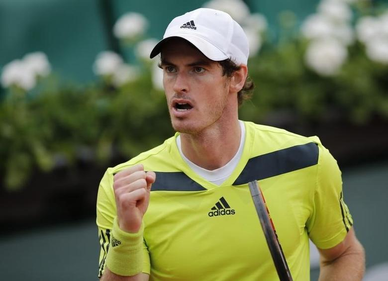 Andy Murray of Britain reacts after winning his men's singles match against Andrey Golubev of Kazakhstan at the French Open tennis tournament at the Roland Garros stadium in Paris May 27, 2014.                 REUTERS/Stephane Mahe