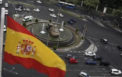 L'économie espagnole a enregistré une croissance de 0,4% sur les trois premiers mois de l'année, à la faveur de la bonne tenue de la demande intérieure, le produit intérieur brut (PIB) de la quatrième puissance économique de la zone euro affichant une hausse pour le troisième trimestre d'affilée. /Photo d'archives/REUTERS/Sergio Perez