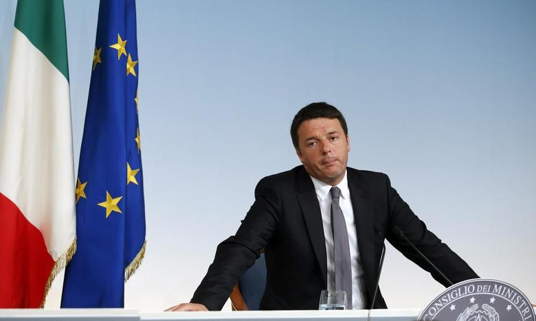 Italy's Prime Minister Matteo Renzi attends a media conference at Chigi palace in Rome, May 26, 2014. REUTERS/Remo Casilli