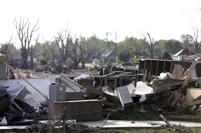 Residents of Nebraska town return after deadly tornado