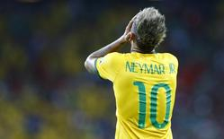 Neymar lamenta chance desperdiçada durante partida do Brasil contra o México pelo Grupo A, na Arena Castelão, em Fortaleza. 17/6/2014  REUTERS/Marcelo Del Pozo
