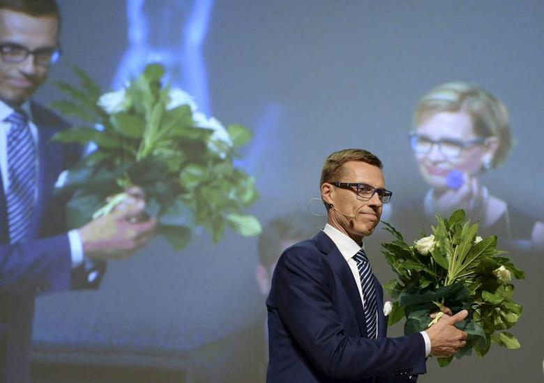 Alexander Stubb, new chairman of the National Coalition party, celebrates after his election in the party's congress in Lahti June 14, 2014.  REUTERS/Jussi Nukari/Lehtikuva