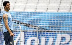 Jogador do Uruguai Luis Suarez durante treino antes da partida contra Inglaterra, em São Paulo. 18/6/2014 REUTERS/Damir Sagolj