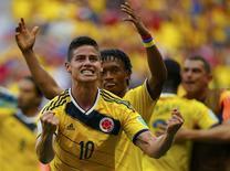 James comemora gol da Colômbia contra Costa do Marfim.   REUTERS/Paul Hanna