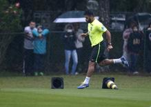 Jogador brasileiro Hulk durante treinamento em Teresópolis (RJ). 19/6/2018   REUTERS/Stringer/Brazil