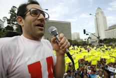 American Apparel owner Dov Charney speaks during a May Day rally protest march for immigrant rights, in downtown Los Angeles May 1, 2009 file photo.  REUTERS/Mario Anzuoni