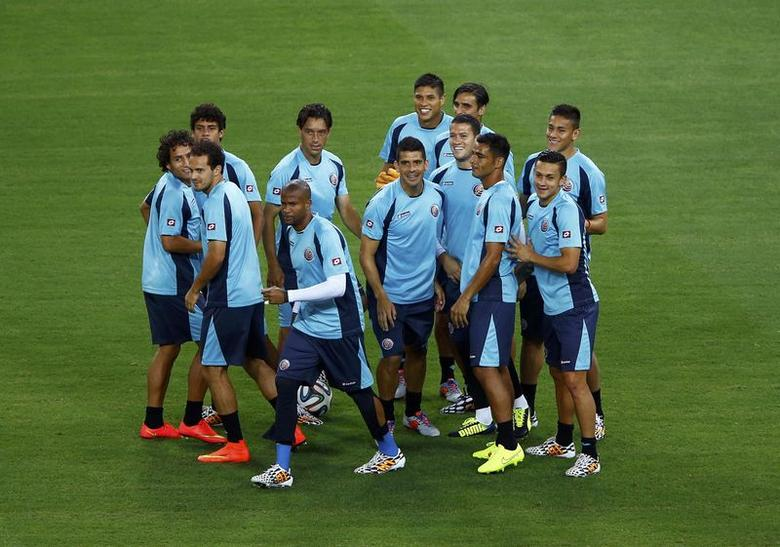 Costa Rica's national team gather for a practice session at the Castelao arena in Fortaleza, June 13, 2014. REUTERS/Mike Blake