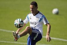 Maxi Rodriguez em treino da seleção argentina. 22/06/2014   REUTERS/Sergio Perez