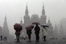 Les sanctions liées à la question ukrainienne imposées à la Russie ont pratiquement figé la croissance, paralysé l'investissement et risquent d'aboutir à l'isolement économique du pays, estime le Fonds monétaire international. /Photo d'archives/REUTERS/Maxim Shemetov