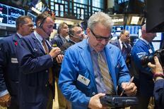 Wall Street a terminé en baisse de 0,41% mardi, un chiffre susceptible de varier encore légèrement. /Photo prise le 28 juillet 2014/REUTERS/Lucas Jackson