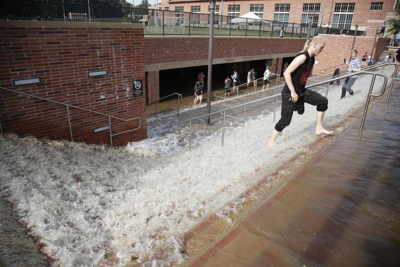 Water main break, geyser flood UCLA campus, strand...
