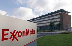 La sede de ExxonMobil en Machelen, Bélgica, oct 27 2012. Exxon Mobil Corp, la mayor petrolera mundial que cotiza en bolsa, dijo el jueves que su ganancia trimestral escaló un 28 por ciento debido a los mayores precios del crudo y del gas natural.    REUTERS/Sebastien Pirlet