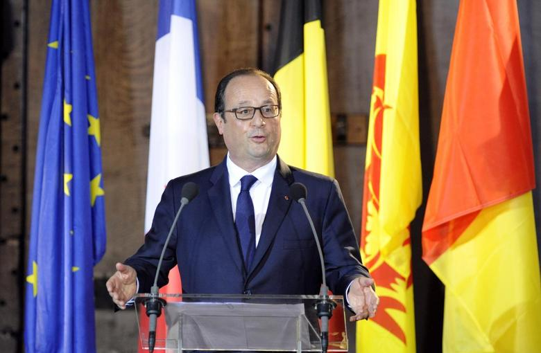 French President Francois Hollande holds a new conference in the city hall of Liege, August 4, 2014.  REUTERS/Laurent Dubrule