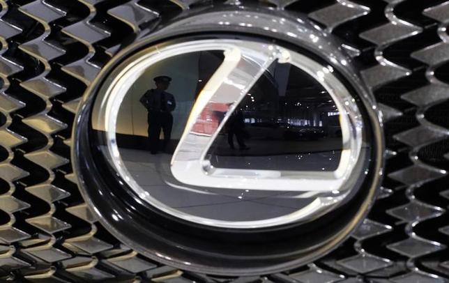 8月11日、トヨタ自動車が高級車部門「レクサス」の成長に向けて投入した戦略車「NX」。その生産を担うトヨタ自動車九州にとって、大きな「競争相手」は他ならぬトヨタの海外生産拠点だ。都内で5月撮影(2014年 ロイター/ Toru Hanai)