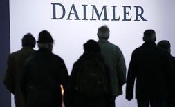 Le constructeur automobile allemand Daimler a été reconnu coupable de manipulation de prix dans ses services après-vente, rapporte lundi l'agence de presse officielle Chine nouvelle, citant les autorités de la province du Jiangsu. /Photo d'archives/REUTERS/Fabrizio Bensch