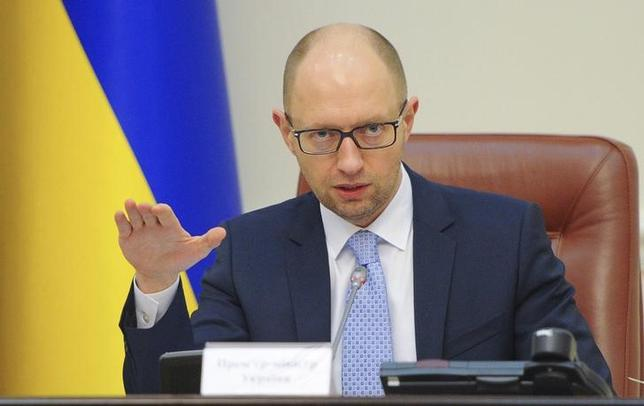 8月27日、ウクライナのヤツェニュク首相(写真)は、ロシアにはこの冬、欧州への天然ガス輸送を停止する計画があるとの見解を示した。6月撮影(2014年 ロイター/Andrew Kravchenko/Pool )