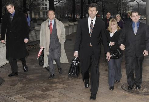 U.S., Blackwater defense clash on jury summary of shooting