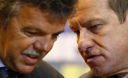 Rinaldi e Dunga conversam durante entrevista no Rio de Janeiro, em 22 de julho. REUTERS/Ricardo Moraes