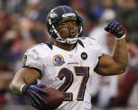 Baltimore Ravens running back Ray Rice celebrates his touchdown against the Washington Redskins in the second half of their NFL football game in Landover, Maryland December 9, 2012.   REUTERS/Gary Cameron