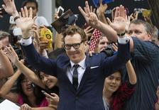 """Ator Benedict Cumberbatch posa na exibição de gala de """"The Imitation Game"""" no Festival de Toronto. 09/09/2014 REUTERS/Mark Blinch"""